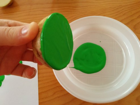 Arts-and-crafts-potato-printed-shamrock-3